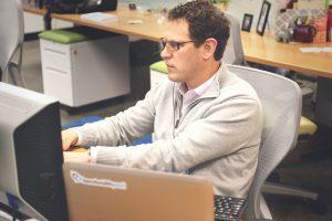 Office-Analysis-Risk-Economy
