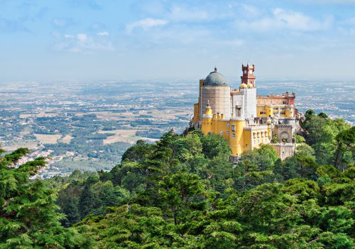 travel-portugal-ancient-Pena-national-palace