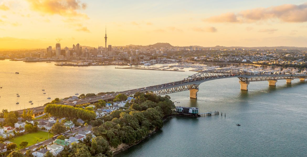 New Zealand-Auckland-harbour bridge